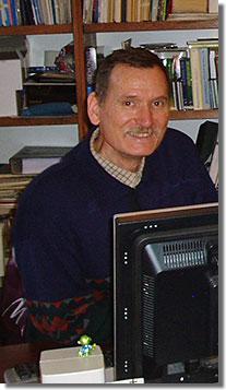 Ernszt Árpád a KIA könyvtár vezetőjeként...