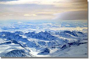 A Jotunheimen nemzeti park - középen két 2000 méter feletti csúccsal