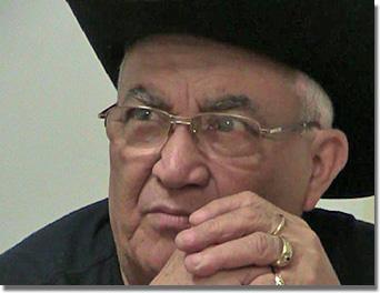 Eliades Ochoa a Sportkastélyban